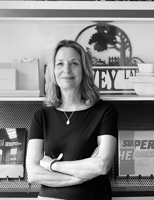 Paula Scher é parceira do Pentagram desde 1991
